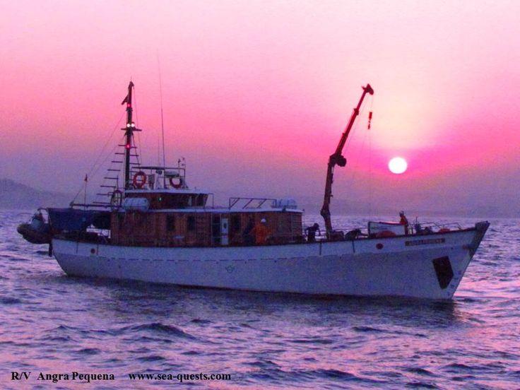 Pink sunset. R/V Angra Pequena. www.sea-quests.com