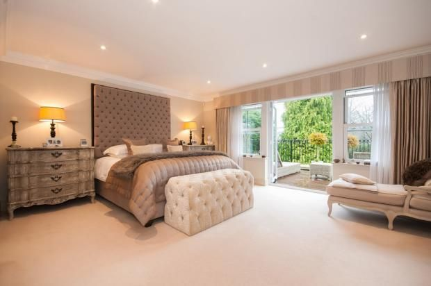 5 bedroom detached house for sale in Hurst Drive, Walton on the Hill, KT20