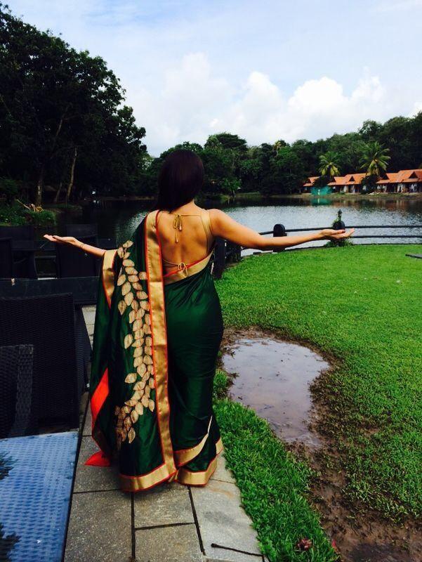 Shilpa Shettty in a beautiful Mandira Bedi sari | via Twitter