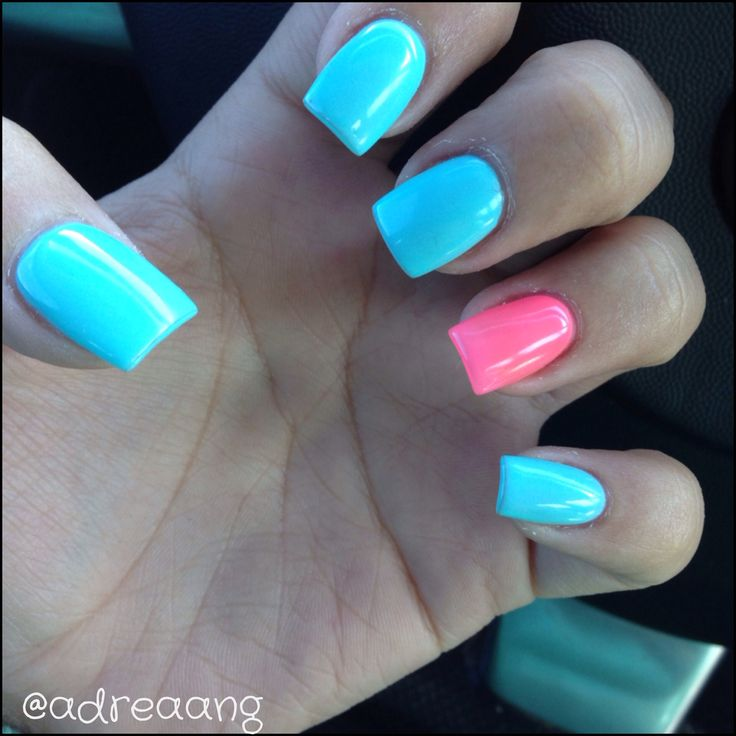 baby blue and pink nails acrylic