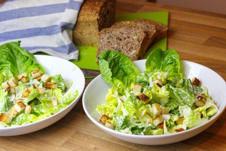 Caesar Salad nach dem deli Magazin Liebe Freunde der grünen Blattkunst, ich bin eigentlich keiner von euch. Nein ganz im Ernst, grüne Blätter reizen mich so gar nicht und Salat finde ich oft als Beilage schon… Weiterlesen