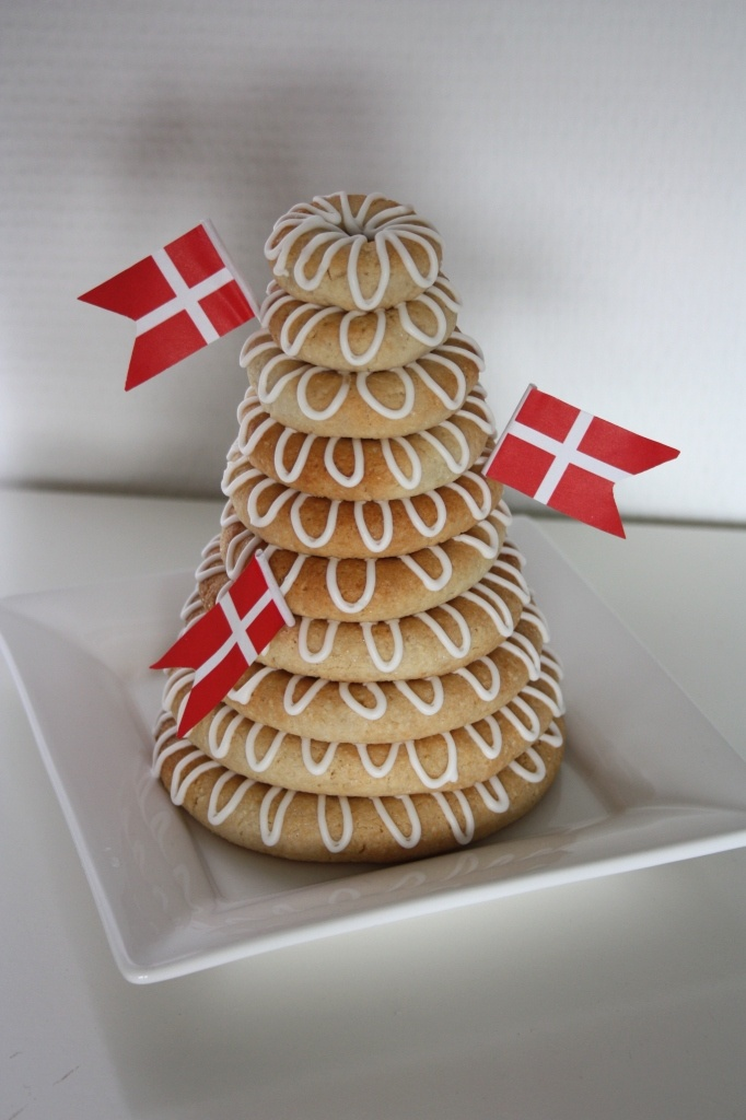 "Gluten free Traditional Danish Cake ""Kransekage"" - Dansk kransekage (glutenfri)"