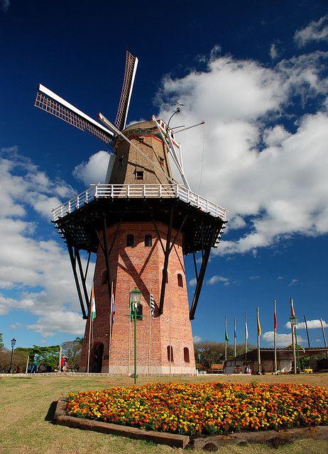 Moinho de Vento (Windmill), Holambra, SP, Brazil