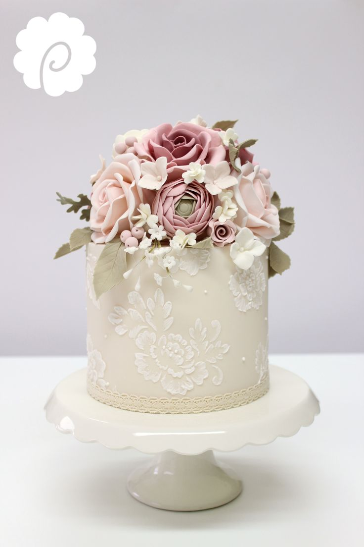 Sugar flower decorative vintage mini wedding cake in soft dusky tones