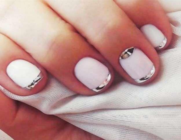 Las uñas espejo: fotos de los nail art - Manicura francesa con efecto espejo