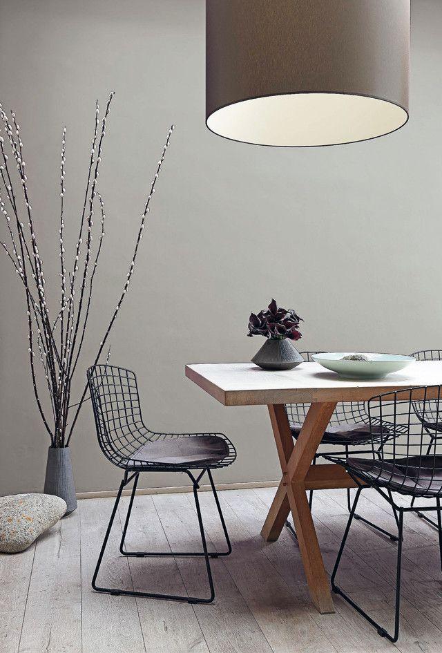De nieuwe verflijn Histor The Color Collection, bestaat uit twintig subtiel vergrijsde tinten kalkmatte muurverf.