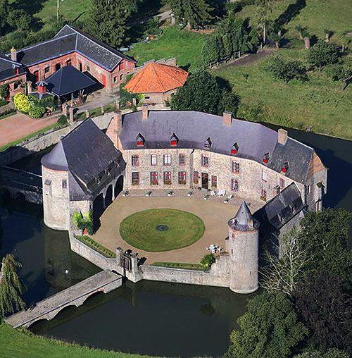 Château de Potelle (or Château de Potelles), Potelle, Nord, Nord-Pas-De-Calais, France - www.castlesandmanorhouses.com