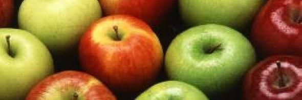 Do apple seeds contain a harmful cyanide compound?