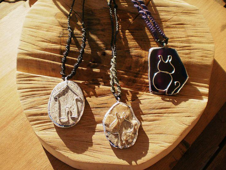 Handmade jewellery. Stones, wire and macrame.