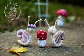 Papillon en papier: Snails and mushrooms - free amigurumi patterns