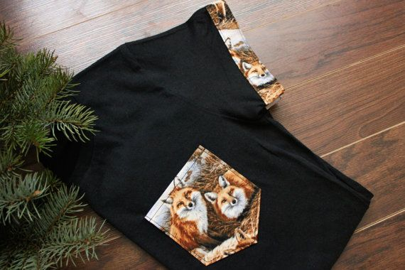 T-shirt with fox pocket & sleeves