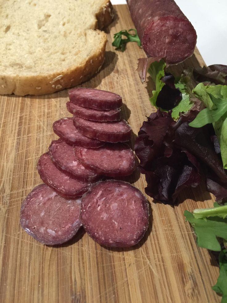 Hacer salchichón tipo fuet en casa es muy fácil con nuestro kit http://www.quesoscaseros.es/haz-tu-primer-embutido/kit-para-hacer-salchichon.html