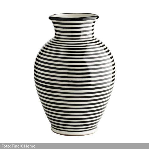 Die Vase Ist Beim Dänischen Hersteller Tine K Home Erhältlich. Mehr Infos  Auf Http: