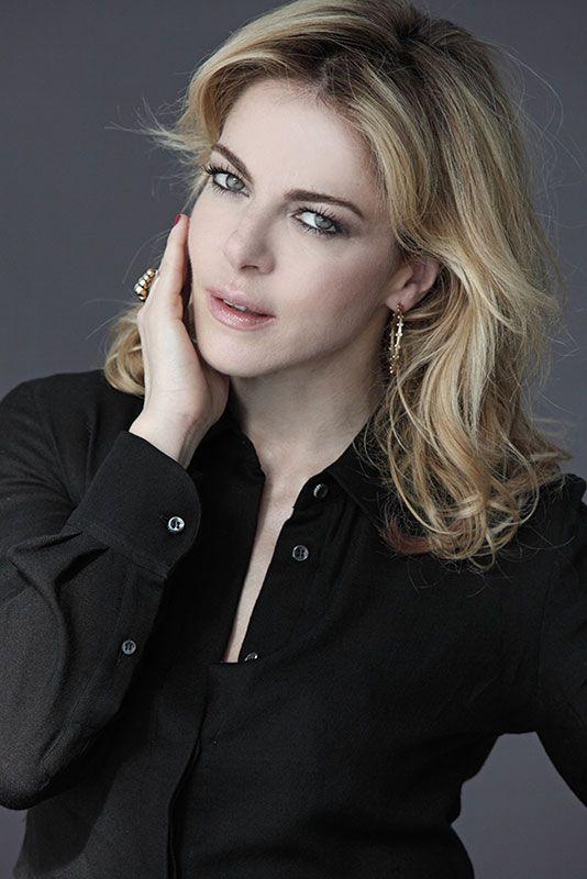 Sarà l'attrice italiana #Claudia Gerini la madrina di #RomaSposa 2015. Il taglio del #nastro? Giovedì 15 gennaio alle ore 16:00 presso #NuovaFieradiRoma