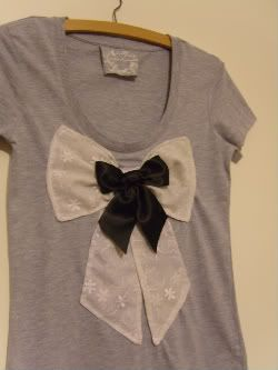 Sophie Makes Things: DIY Project #1 - The Bow T-Shirt...