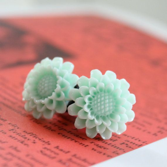 0g Mint Green Flower Plugs for Stretched Ears Size 0 8mm Gauges Vintage Inspired Piercing Customizable for 2g 0g 00g
