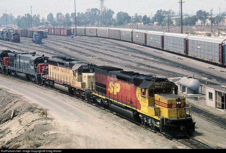 Foto RailPictures.Net: SP 8315 Southern Pacific Railroad EMD SD40T-2 em Bloomington, Califórnia por Craig Walker