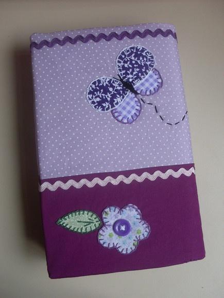 Capa para agenda, bíblia ou livro, Toda confeccionada em tecido 100% algodão e decorada com apliquê. R$25,00