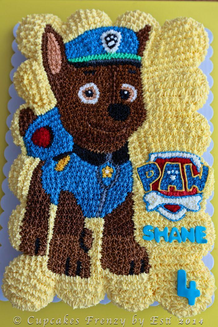 Chase,  Paw Patrol theme on pull apart cupcakes cake.