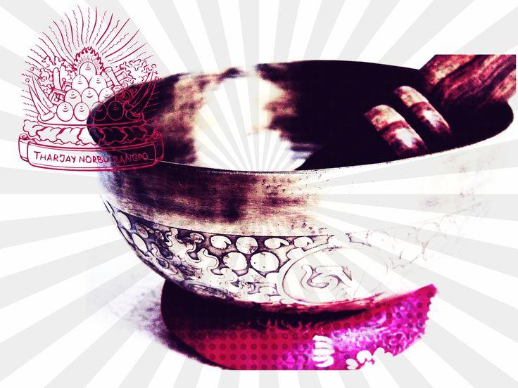 Mire jó a 7 fémből készült egyedi tibeti hangtál?  ›› nem unalmasan ›› képekkel ›› videoval illusztrálva olvasd el itt: http://tibetanshoptharjaynorbuzangpo.blogspot.hu/2014/01/tudtad-hogy-lazitas-pont-annyira.html ====================================================== Körülnéznél az eladó hangtálaink között? Webáruházunkban itt találod őket: http://www.tibetan-shop-tharjay-norbu-zangpo.hu/hangtal