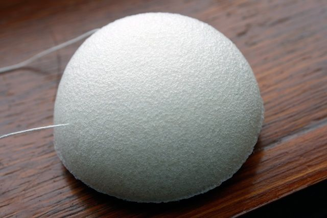 Konjac facial sponge. Suitable for I those with the most sensitive of skin.