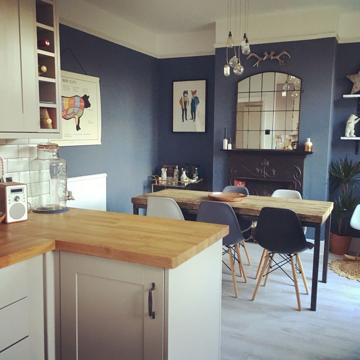 Blue And White Dining Room Kitchen Cabinets With Walls