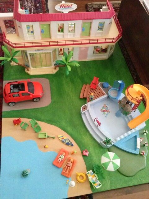 painted playmobil playtable