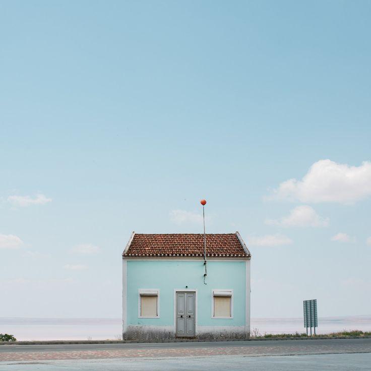 見ていると不思議な気持ちにさせられる、ポルトガルの「孤独な家」   « WIRED.jp