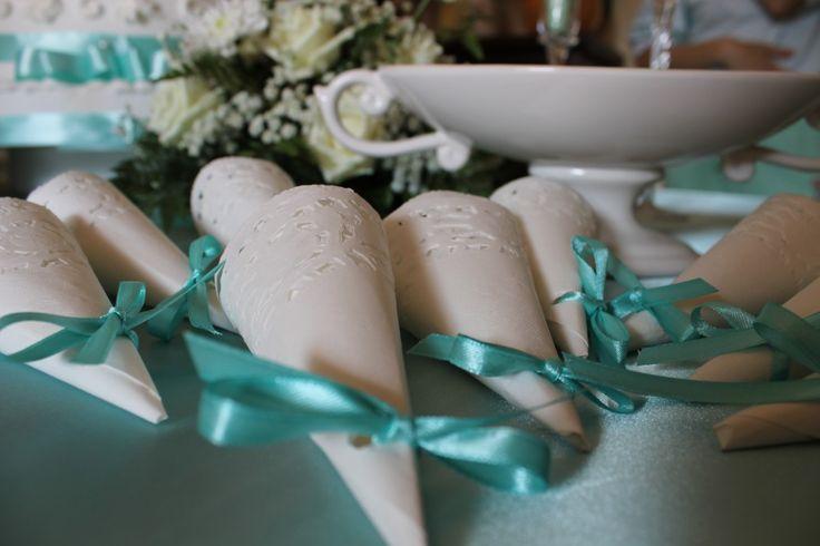 I coni portariso sono tra i lavorettifai da te più richiesti dalle spose oculate, perché