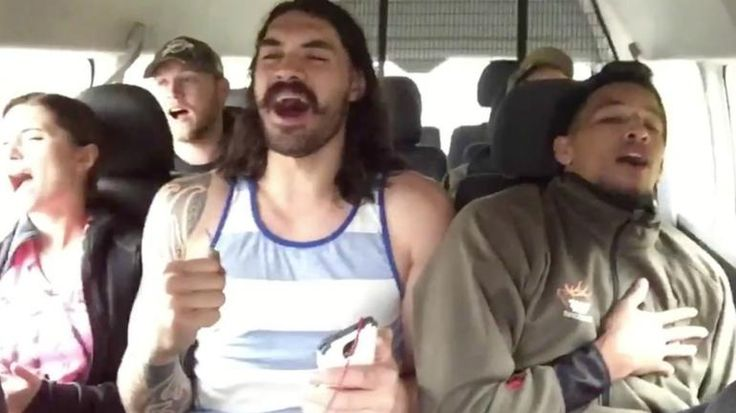 "Steven Adams and Andre Roberson belt out ""I Want It That Way"""
