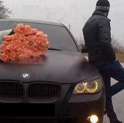 man waiting by car with flowers man with flowers pinterest cars mess up and flower. Black Bedroom Furniture Sets. Home Design Ideas