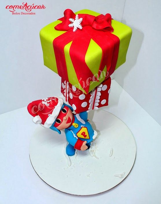 17 best images about gravity defying cakes on pinterest - Gravity cake noel ...