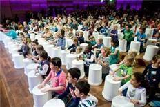 2000 leerlingen zingen op groot podium - dichtbij.nl - Amsterdam-West