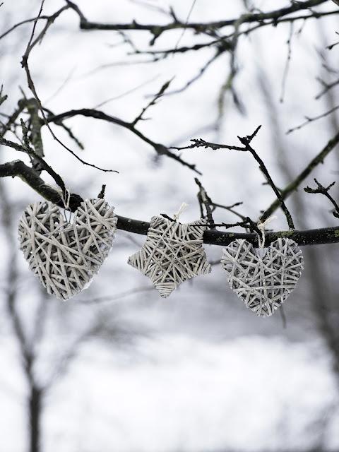 3 hearts on the Xmas tree