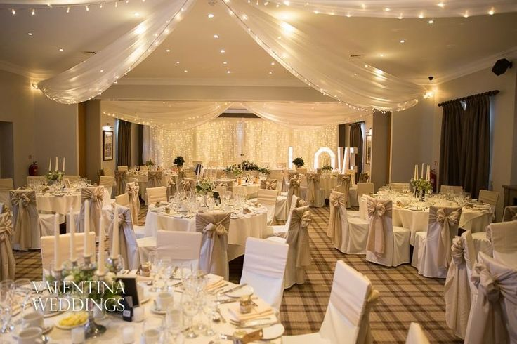 Neutral latte theme in the Bannister Suite with additional fairy lights to add that sparkle!