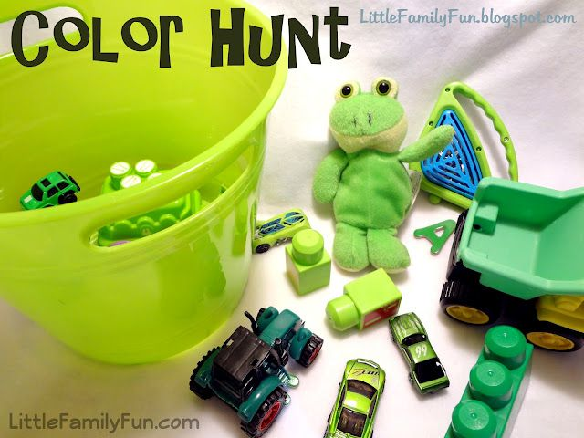 Little Family Fun: color Hunt: Idea, Colors Hunt'S, Toddlers Boys, Green Hunt'S, Families Fun Crafts, St. Patrick'S Day, Crafts Activities, Scavenger Hunt'S, Family Fun