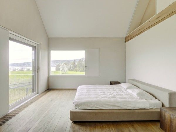 Wooden Floor Interior from Modern Minimalist House with Amazing Surrounding in Winterthur Switzerland 600x450 Modern Minimalist House with Amazing Surrounding in Winterthur, Switzerland