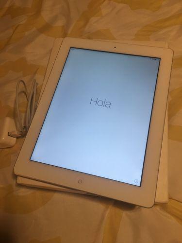 Apple iPad 4th Generation 16GB Wi-Fi 9.7in - White