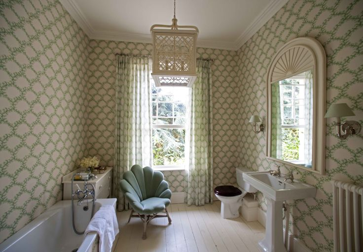 44 best soane wallpaper images on pinterest appliques for Bright green bathroom ideas