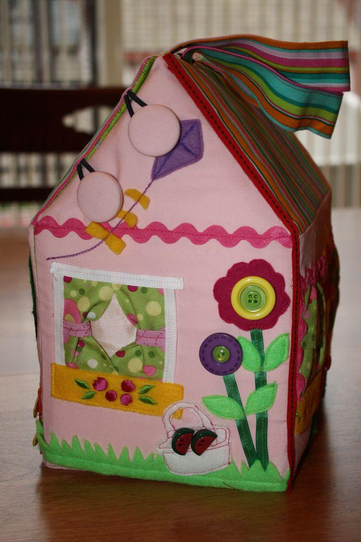 Maison de poupée en tissu - Fabric doll house