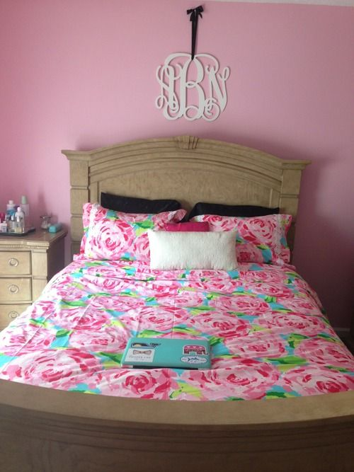 Lilly bedding and monogram! Cute for a Lilly loving teen or college student!