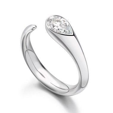 Paul Spurgeon // Single stone pear-cut diamond ring // Jewellery Designer and Master Goldsmith