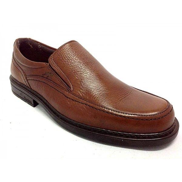 Zapato mocasín de la marca Fluchos. Muy cómodo, moderno y elegante.Es un