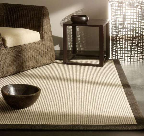Alfombra de sisal con el borde negro. Muy bonita!!!! Diseño y calidad. www.tarimasdelmundo.com