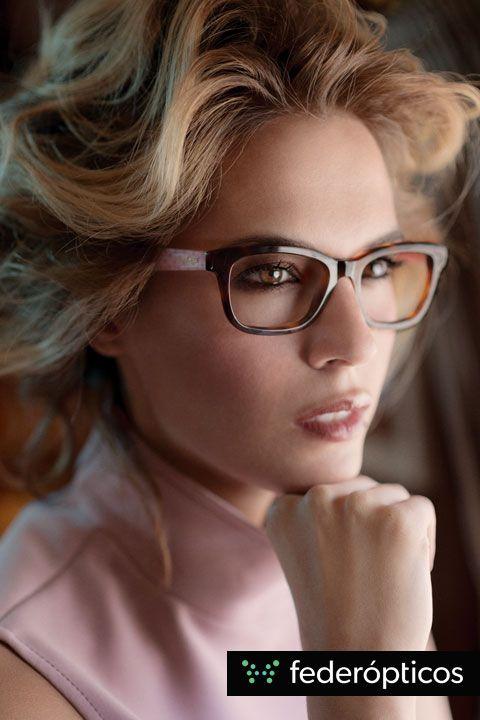 Gafa de pasta #Tommyhilfiger #federopticos #glasses #tendencias #moda Pink dress