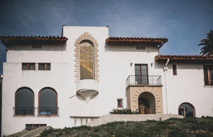 The Untold Story of the Los Feliz Murder Mansion