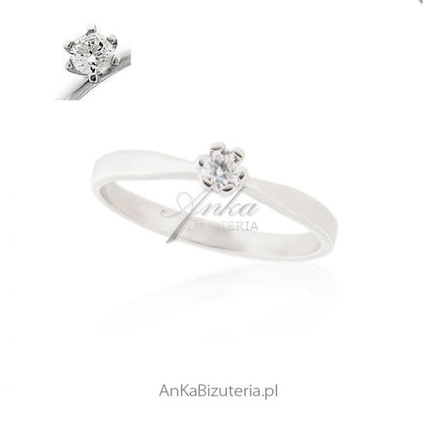 pierścionek zaręczynowy srebrny dla kobiet
