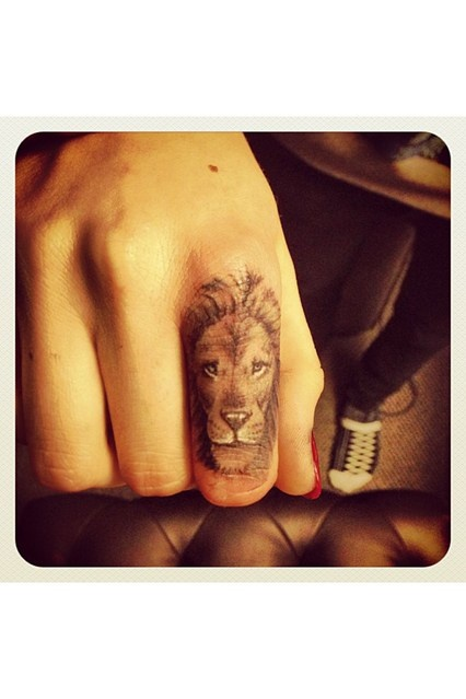 Cara Delevingnes and I have something in common! <3 #animaltattoo #lionhead #caradelevingnes  See what on my blog www.Lionsandwolves.com