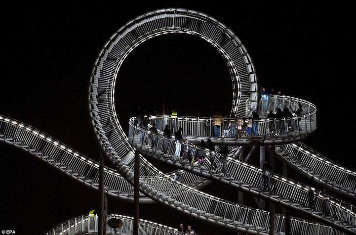 walkable roller-coaster: Sculpture, Walks, Magic Mountain, Art, Heik Mutter, Roller Coasters, Turtles, Germany, Strollers Coasters