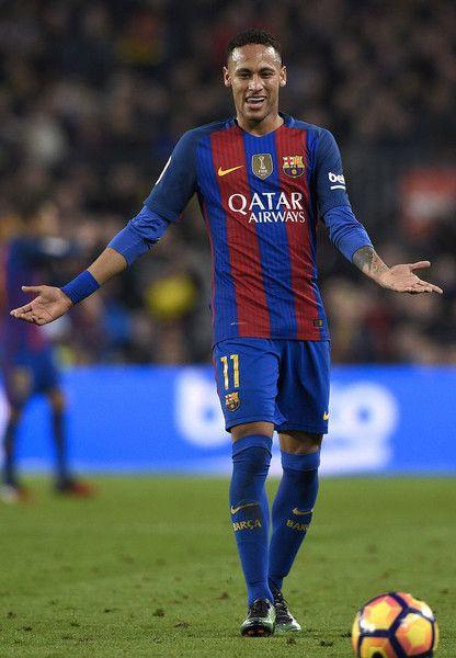 Barcelona's Brazilian forward Neymar gestures during the Spanish league football match FC Barcelona vs Real Madrid CF at the Camp Nou stadium in Barcelona on December 3, 2016. / AFP / LLUIS GENE
